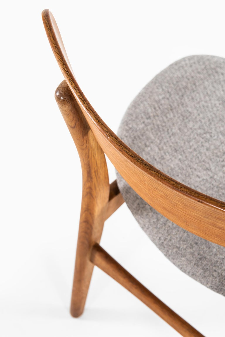 Hans Wegner Dining Chairs Model CH-30 by Carl Hansen & Son in Denmark In Good Condition For Sale In Malmo, SE