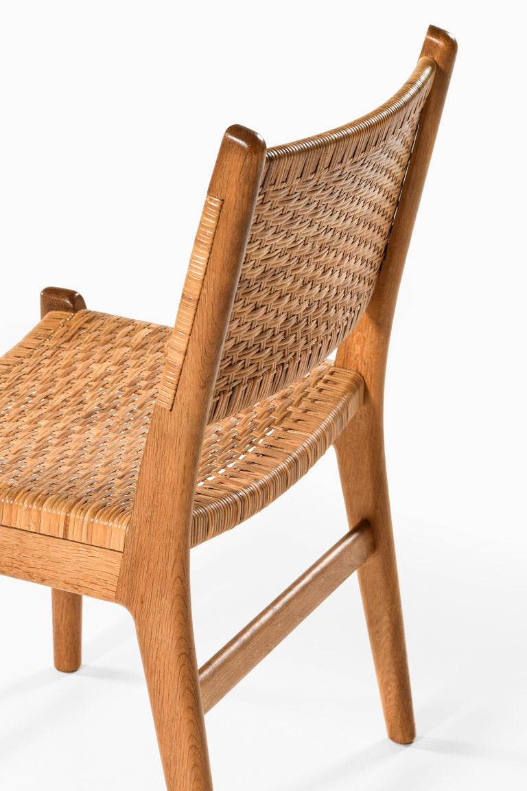 Hans Wegner Dining Chairs Model CH-31 Produced by Carl Hansen & Son in Denmark For Sale 5