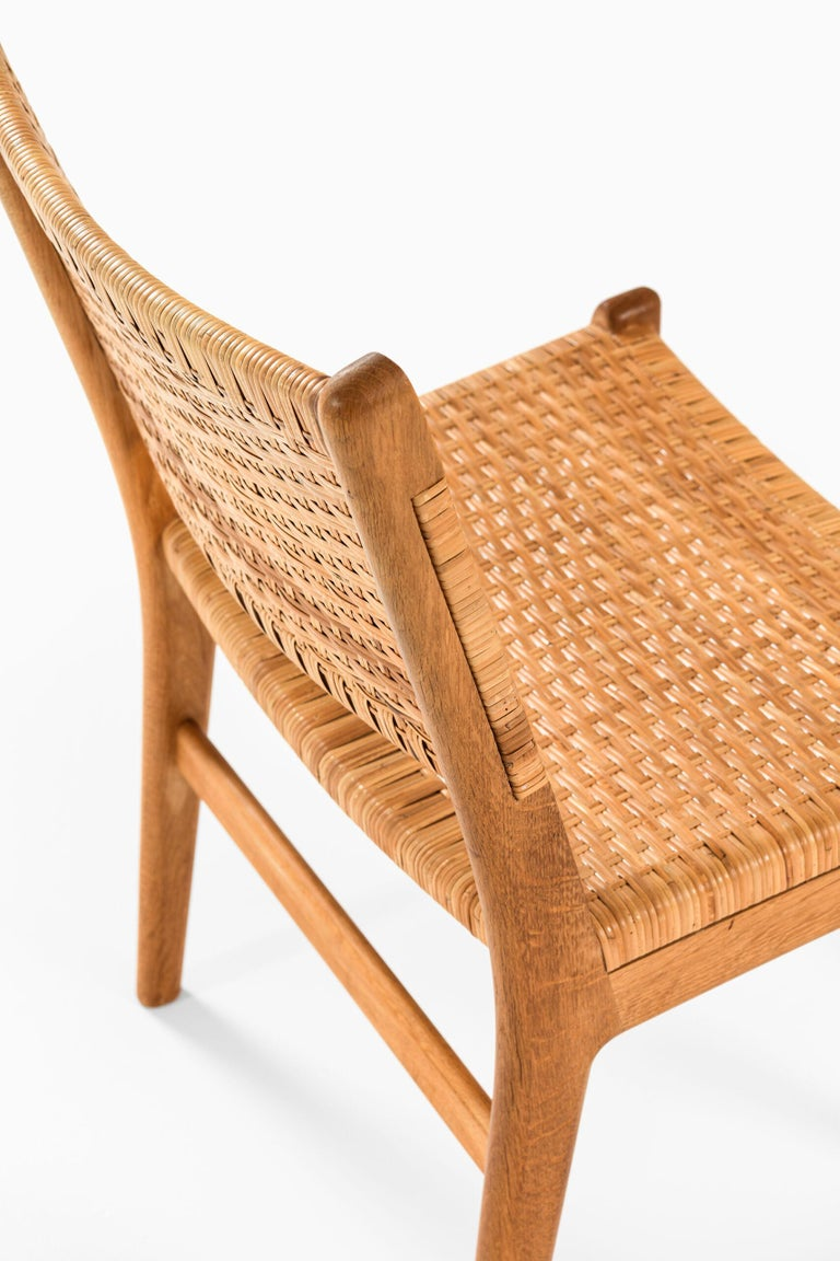 Hans Wegner Dining Chairs Model CH-31 Produced by Carl Hansen & Son in Denmark For Sale 6