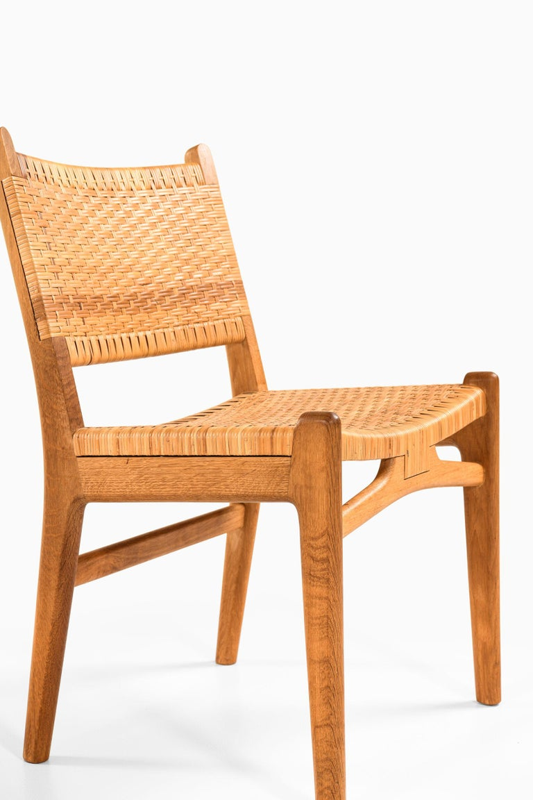 Mid-20th Century Hans Wegner Dining Chairs Model CH-31 Produced by Carl Hansen & Son in Denmark For Sale