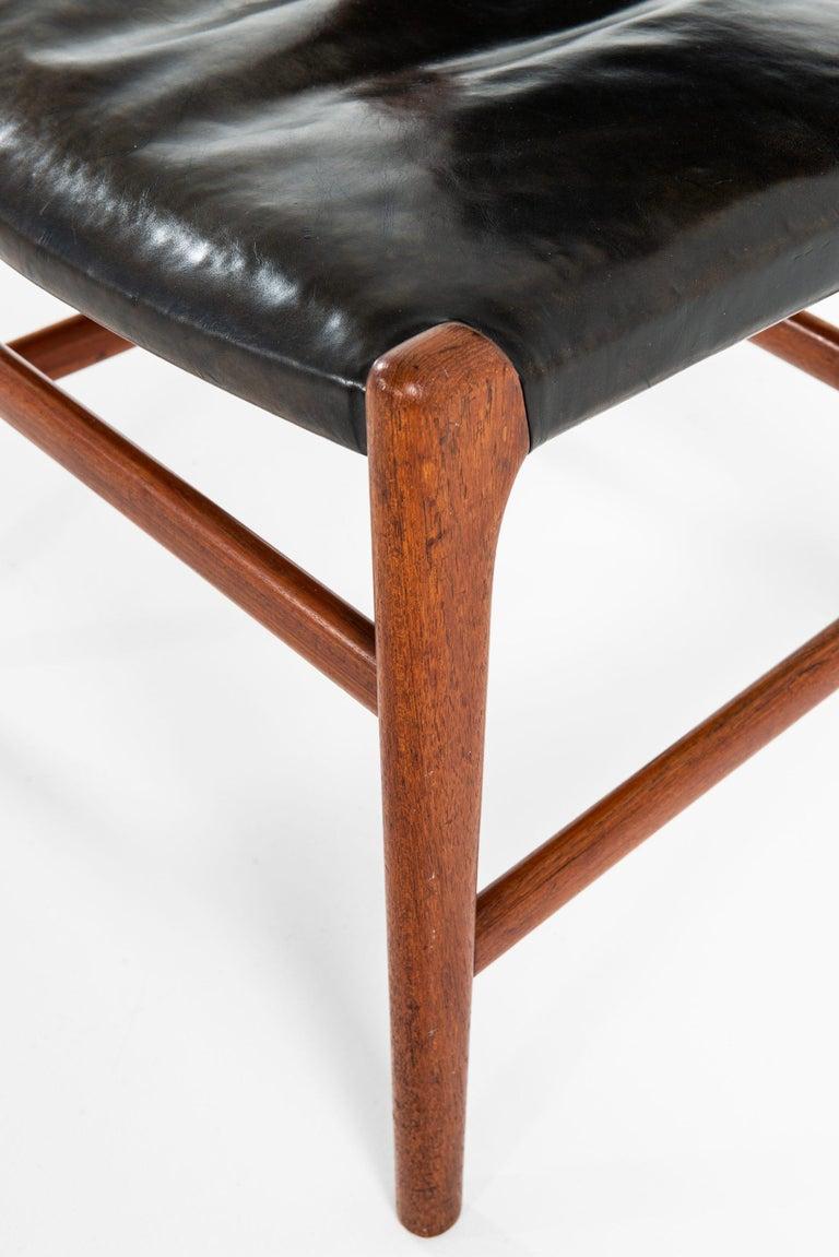 Hans Wegner Dining Chairs Variant of Model JH507 by Cabinetmaker Johannes Hansen For Sale 1