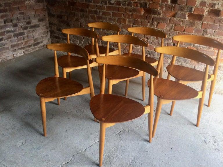 Mid-20th Century Hans Wegner Dining Table & Eight Chairs Heart Shape Fritz Hansen Denmark 1950s For Sale