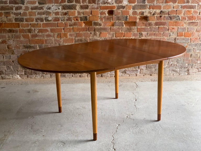 Mid-20th Century Hans Wegner Dining Table & Eight Chairs Heart Shape Fritz Hansen, Denmark, 1950s For Sale