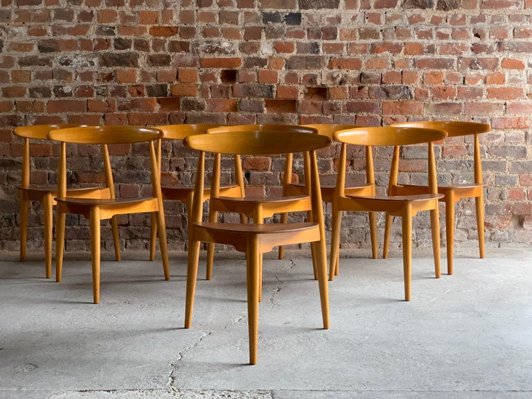 Beech Hans Wegner Dining Table & Eight Chairs Heart Shape Fritz Hansen, Denmark, 1950s For Sale