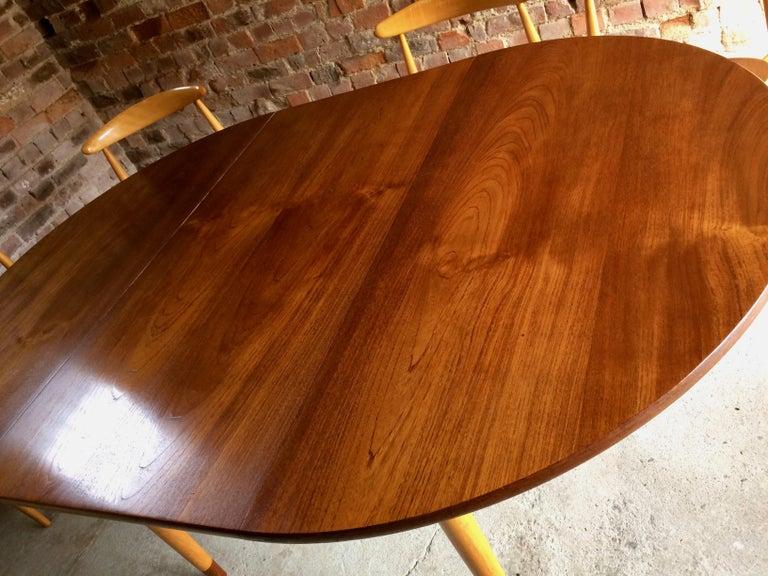 Hans Wegner Dining Table & Eight Chairs Heart Shape Fritz Hansen Denmark 1950s For Sale 1
