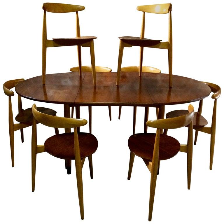 Hans Wegner Dining Table & Eight Chairs Heart Shape Fritz Hansen Denmark 1950s For Sale