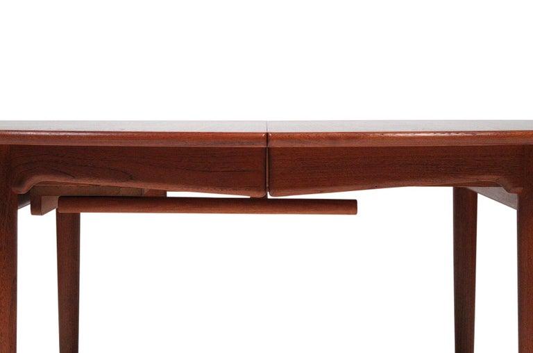 Hans Wegner Dining Table for Johannes Hansen Model JH-567 For Sale 3