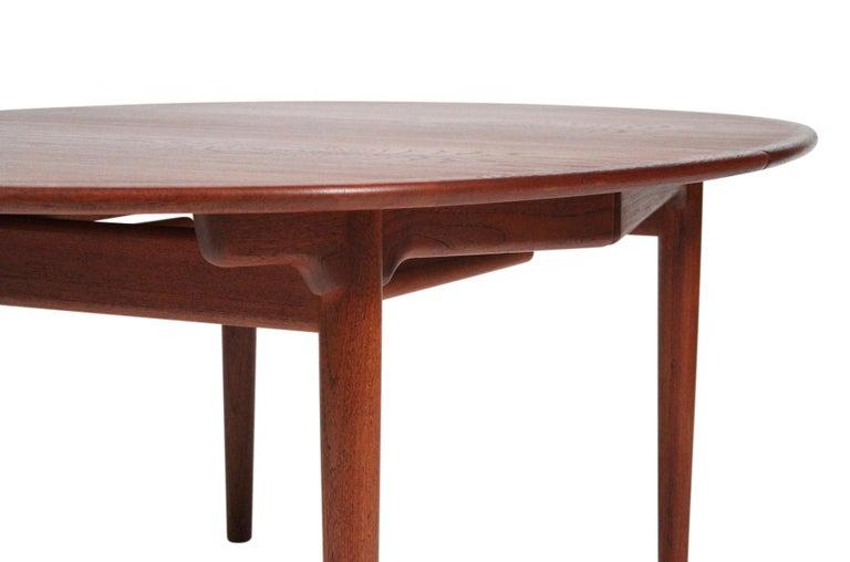 Hans Wegner Dining Table for Johannes Hansen Model JH-567 For Sale 4