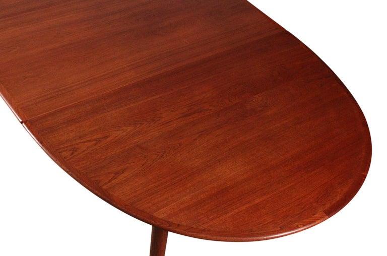 Hans Wegner Dining Table for Johannes Hansen Model JH-567 For Sale 5