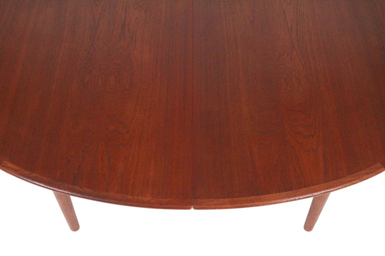 Hans Wegner Dining Table for Johannes Hansen Model JH-567 For Sale 6