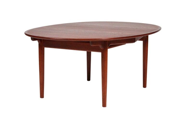 Danish Hans Wegner Dining Table for Johannes Hansen Model JH-567 For Sale