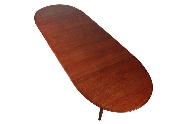 Hans Wegner Dining Table for Johannes Hansen Model JH-567 For Sale 1