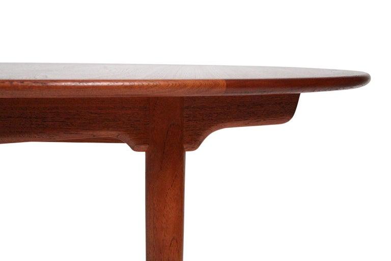 Hans Wegner Dining Table for Johannes Hansen Model JH-567 For Sale 2
