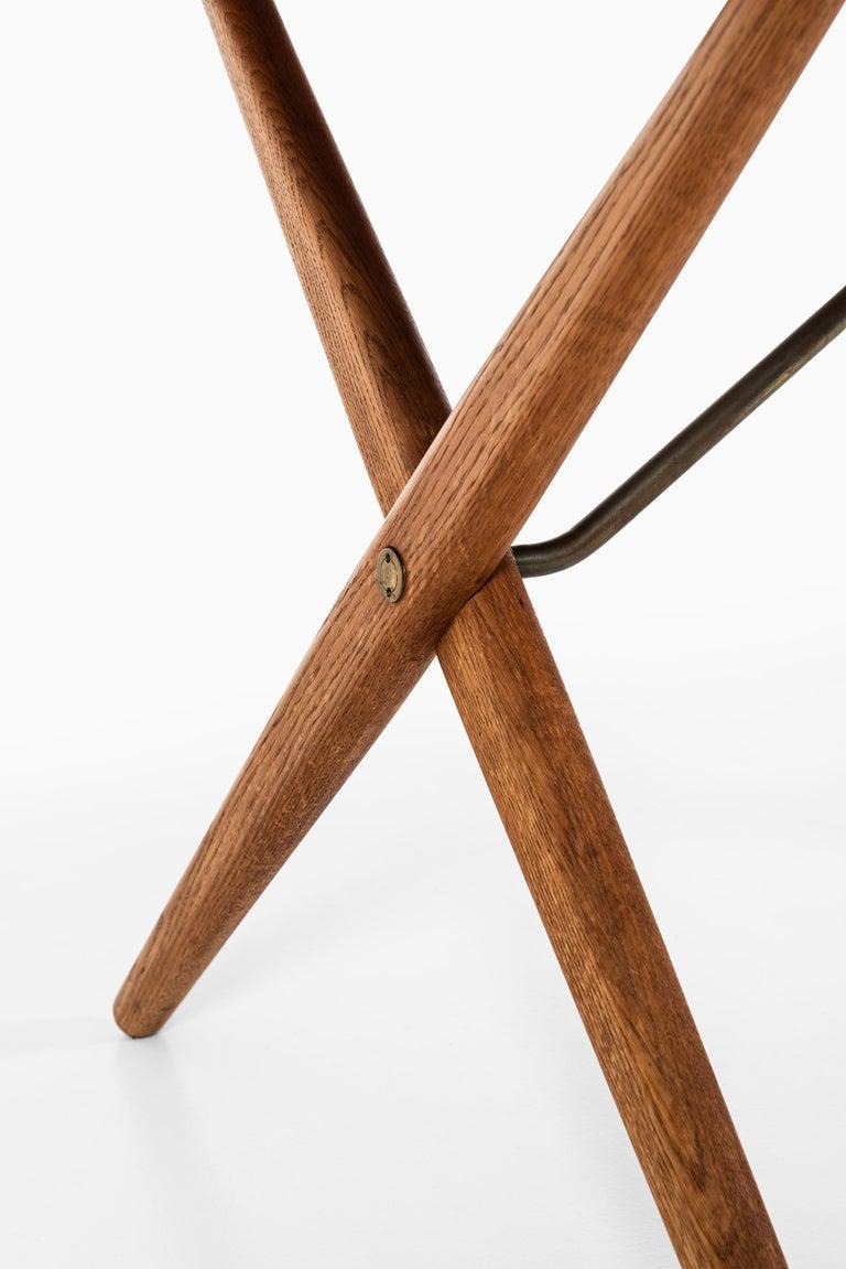 Rare dining table / desk model AT-303 designed by Hans Wegner. Produced by Andreas Tuck in Denmark.