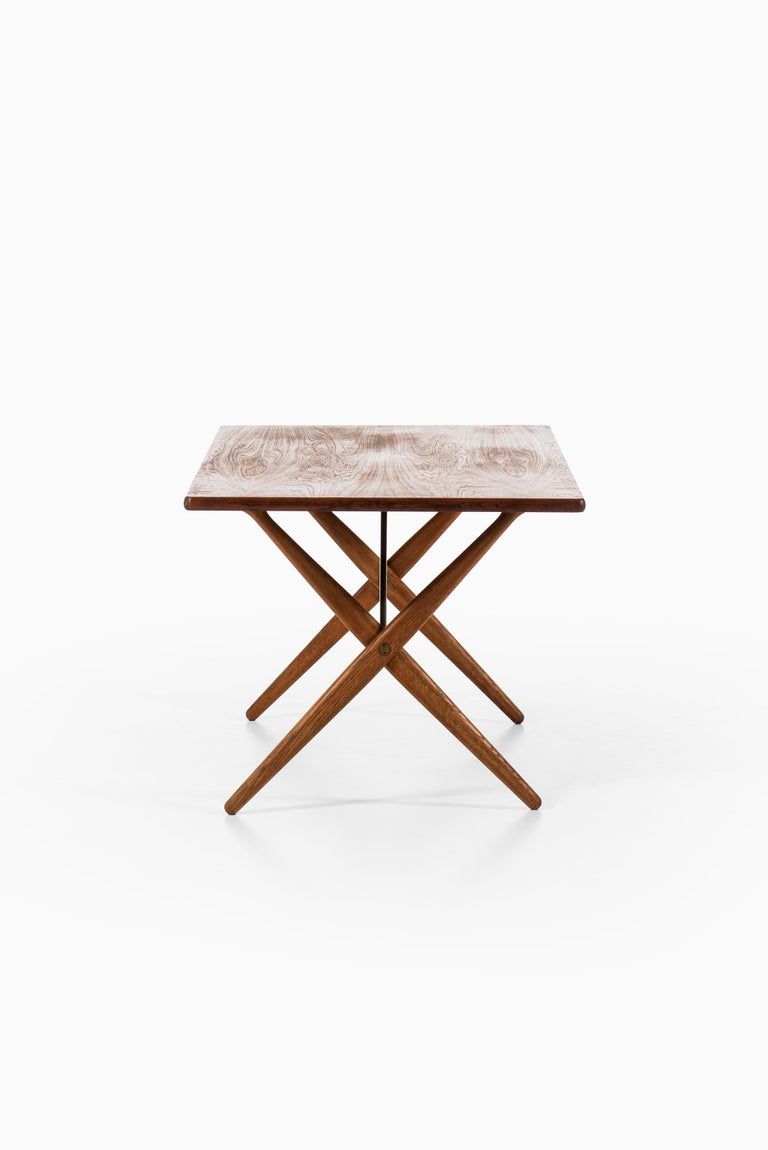 Hans Wegner Dining Table Model AT-303 Produced by Andreas Tuck in Denmark In Good Condition For Sale In Malmo, SE