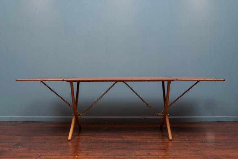 Scandinavian Modern Hans Wegner Dining Table, Model AT 304 For Sale