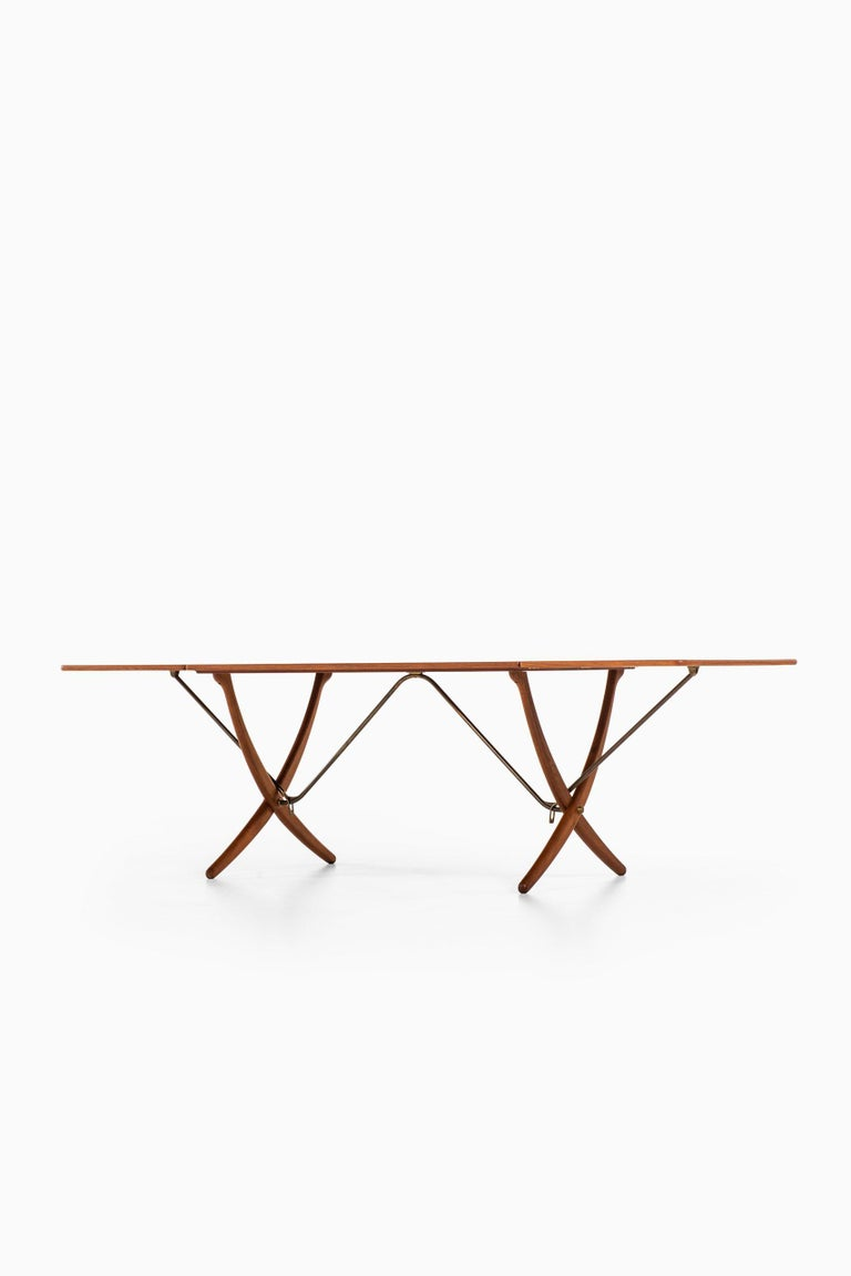 Hans Wegner Dining Table Model AT-304 Produced by Andreas Tuck in Denmark For Sale 3