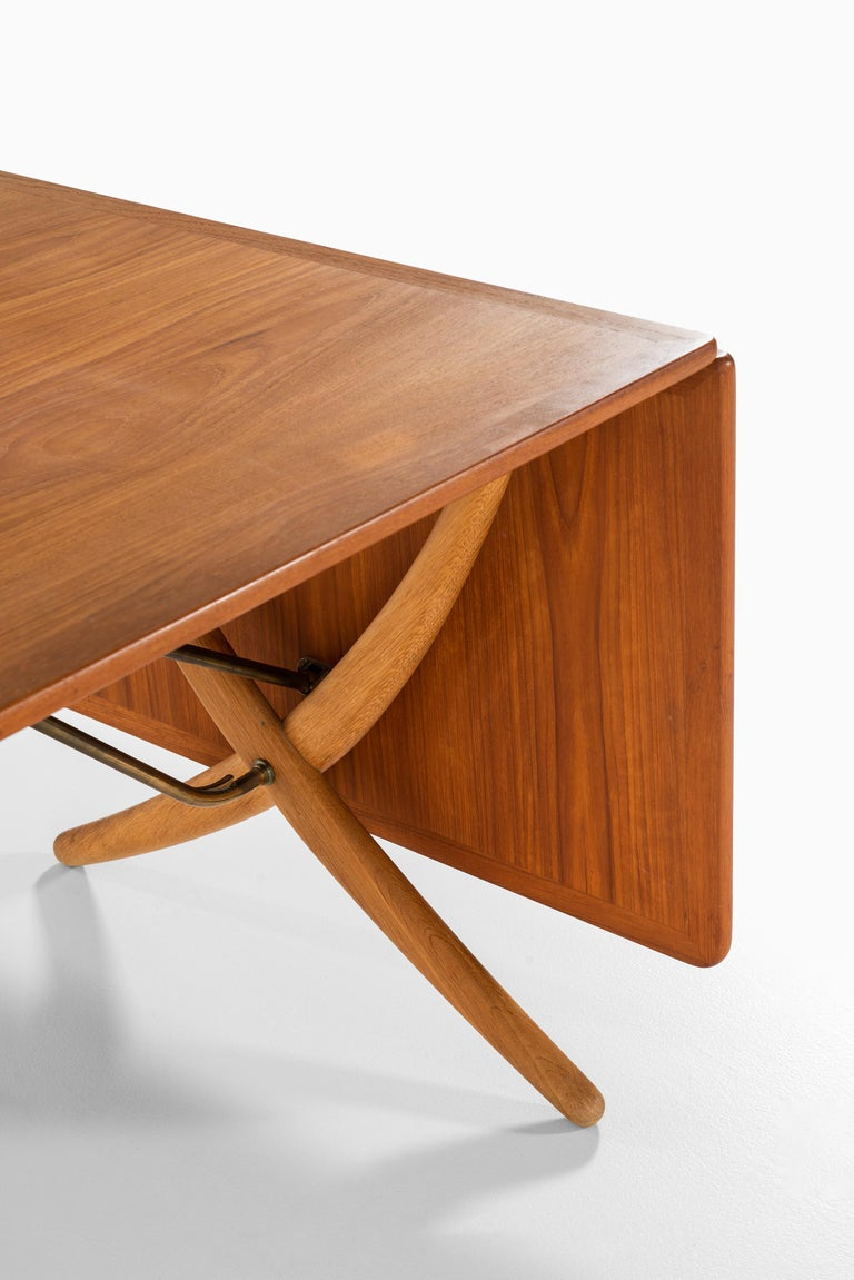 Hans Wegner Dining Table Model AT-304 Produced by Andreas Tuck in Denmark For Sale 4