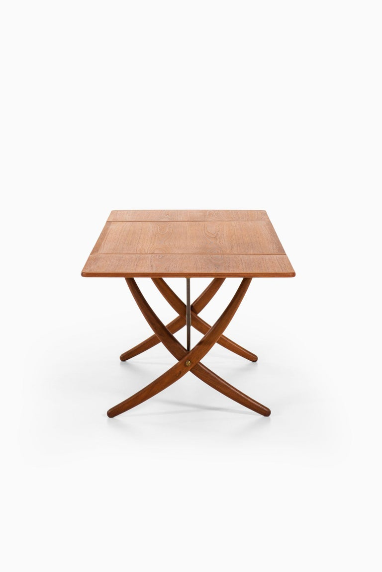Hans Wegner Dining Table Model AT-304 Produced by Andreas Tuck in Denmark For Sale 5