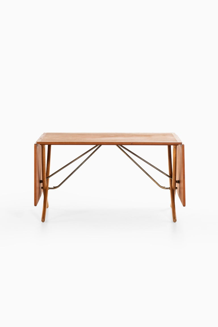 Danish Hans Wegner Dining Table Model AT-304 Produced by Andreas Tuck in Denmark For Sale