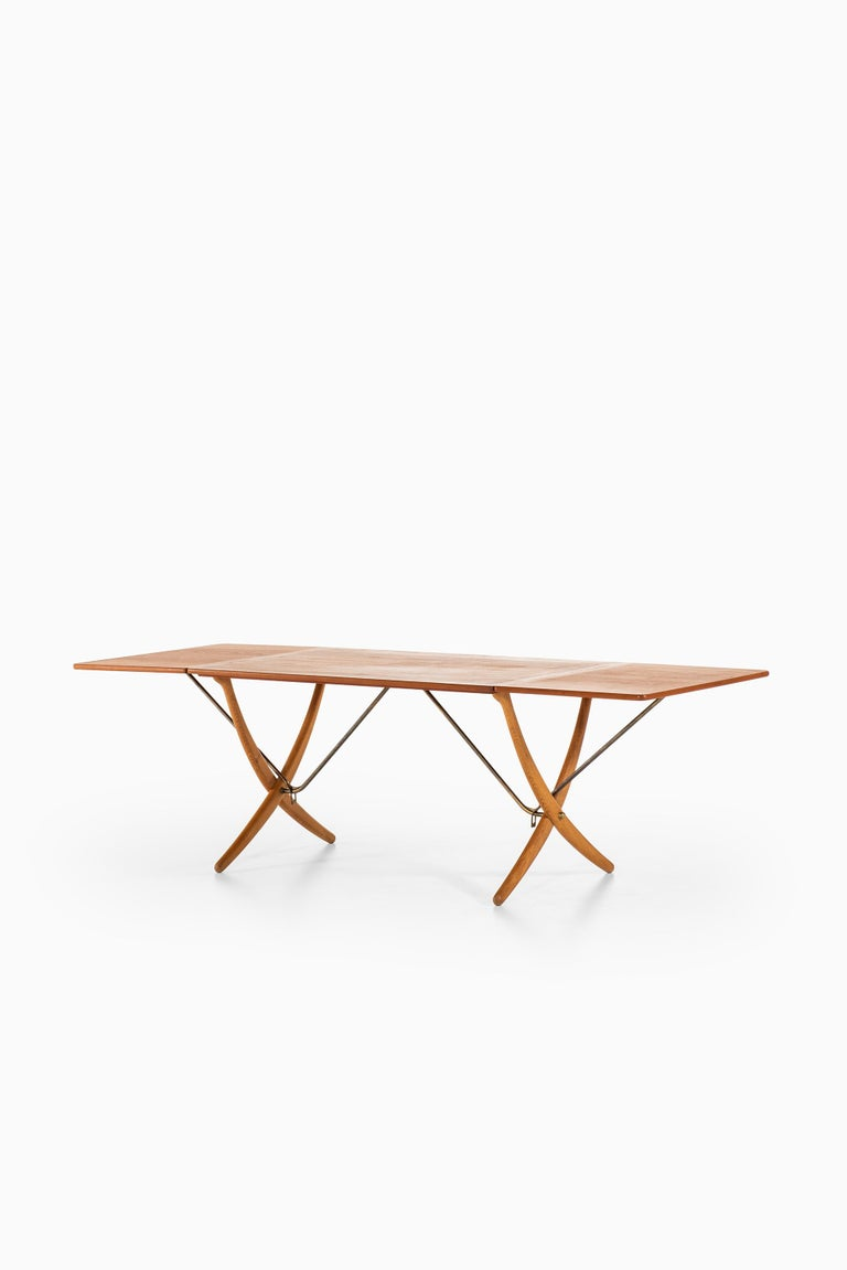 Hans Wegner Dining Table Model AT-304 Produced by Andreas Tuck in Denmark For Sale 2