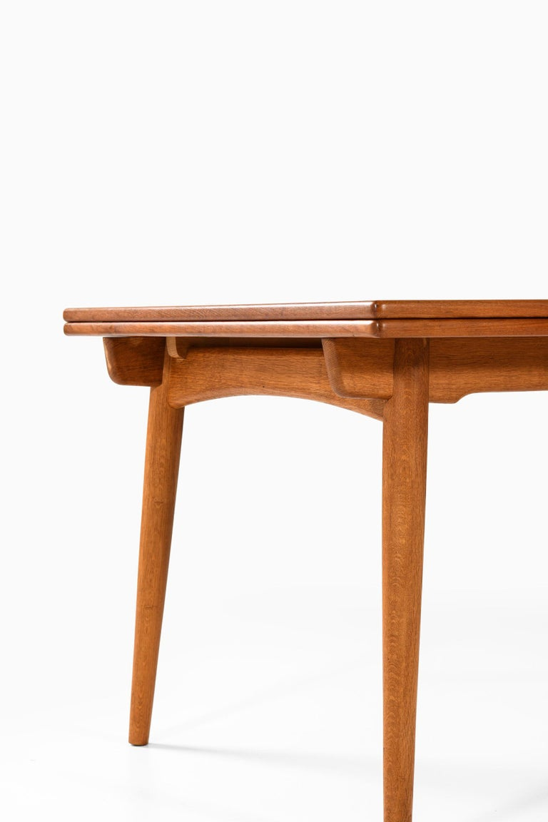 Mid-20th Century Hans Wegner Dining Table Model AT-312 Produced by Andreas Tuck in Denmark For Sale
