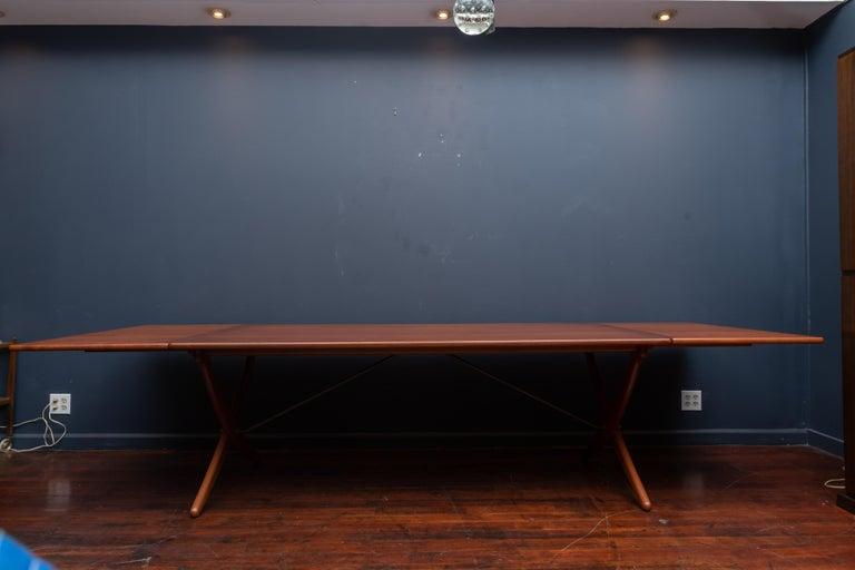 Scandinavian Modern Hans Wegner Dining Table Model AT-314 For Sale