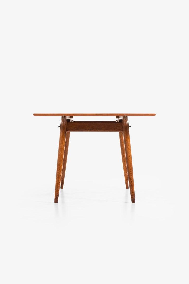 Hans Wegner Dining Table Model JH-570 by Johannes Hansen in Denmark For Sale 6