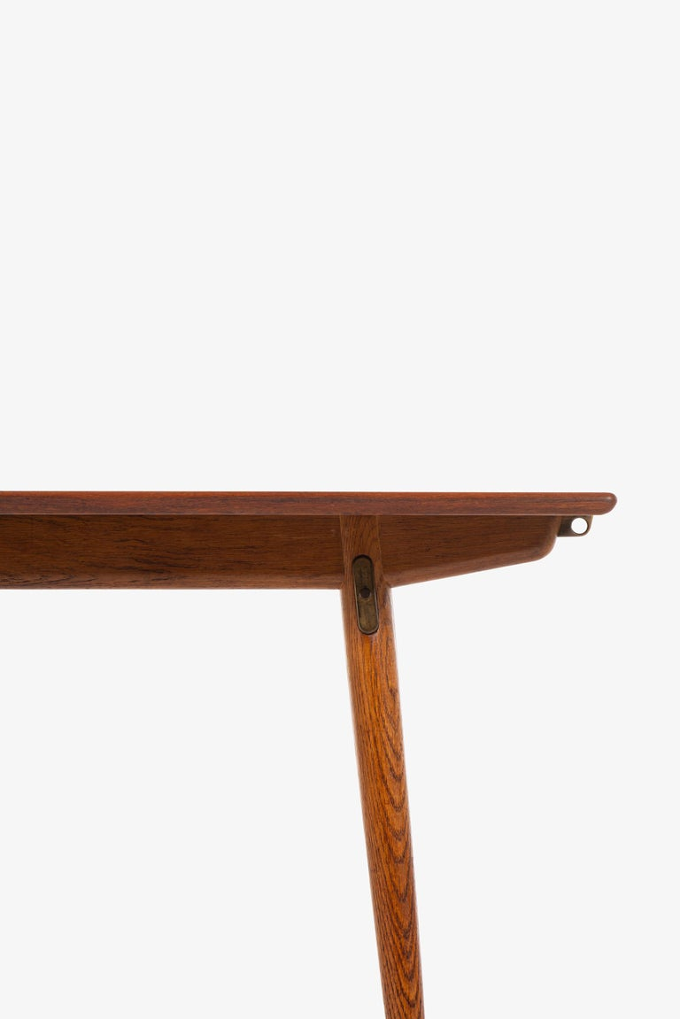 Danish Hans Wegner Dining Table Model JH-570 by Johannes Hansen in Denmark For Sale