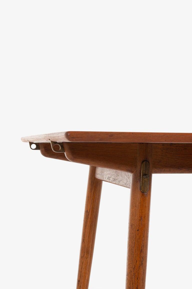 Mid-20th Century Hans Wegner Dining Table Model JH-570 by Johannes Hansen in Denmark For Sale