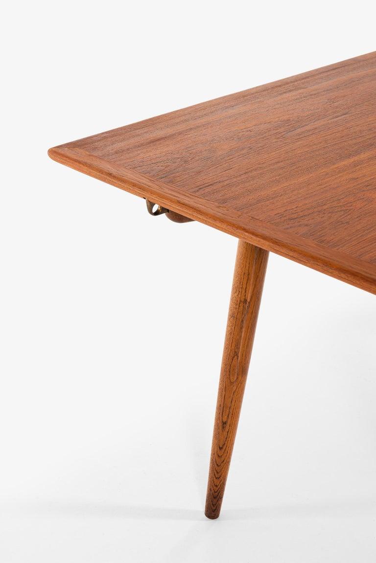 Brass Hans Wegner Dining Table Model JH-570 by Johannes Hansen in Denmark For Sale