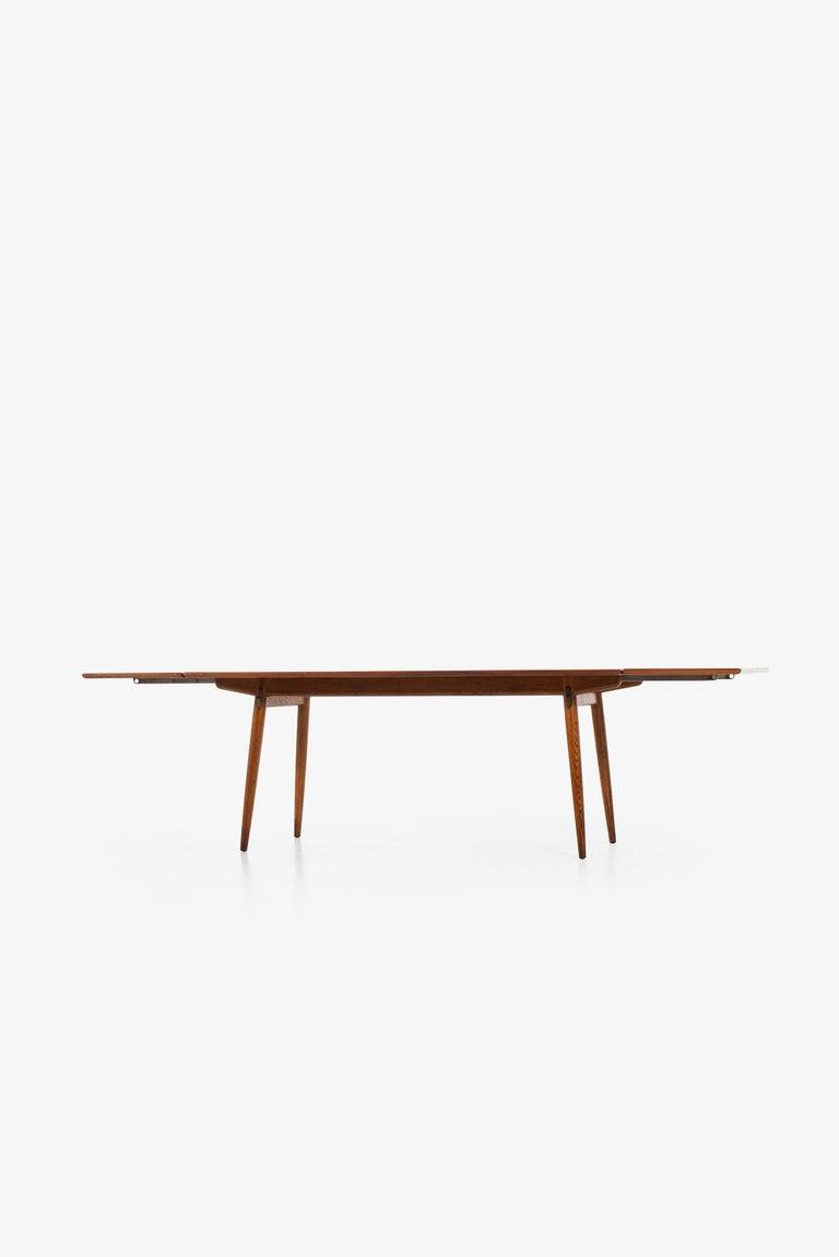Hans Wegner Dining Table Model JH-570 by Johannes Hansen in Denmark For Sale 2