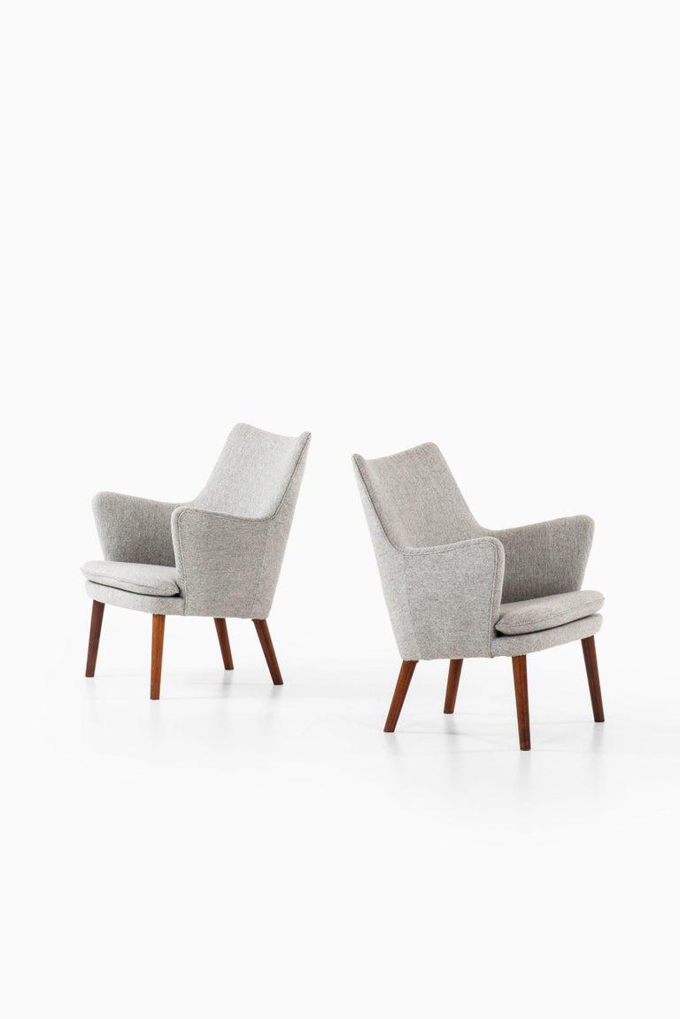 Scandinavian Modern Hans Wegner Easy Chairs Model AP20 Produced by A.P. Stolen in Denmark For Sale