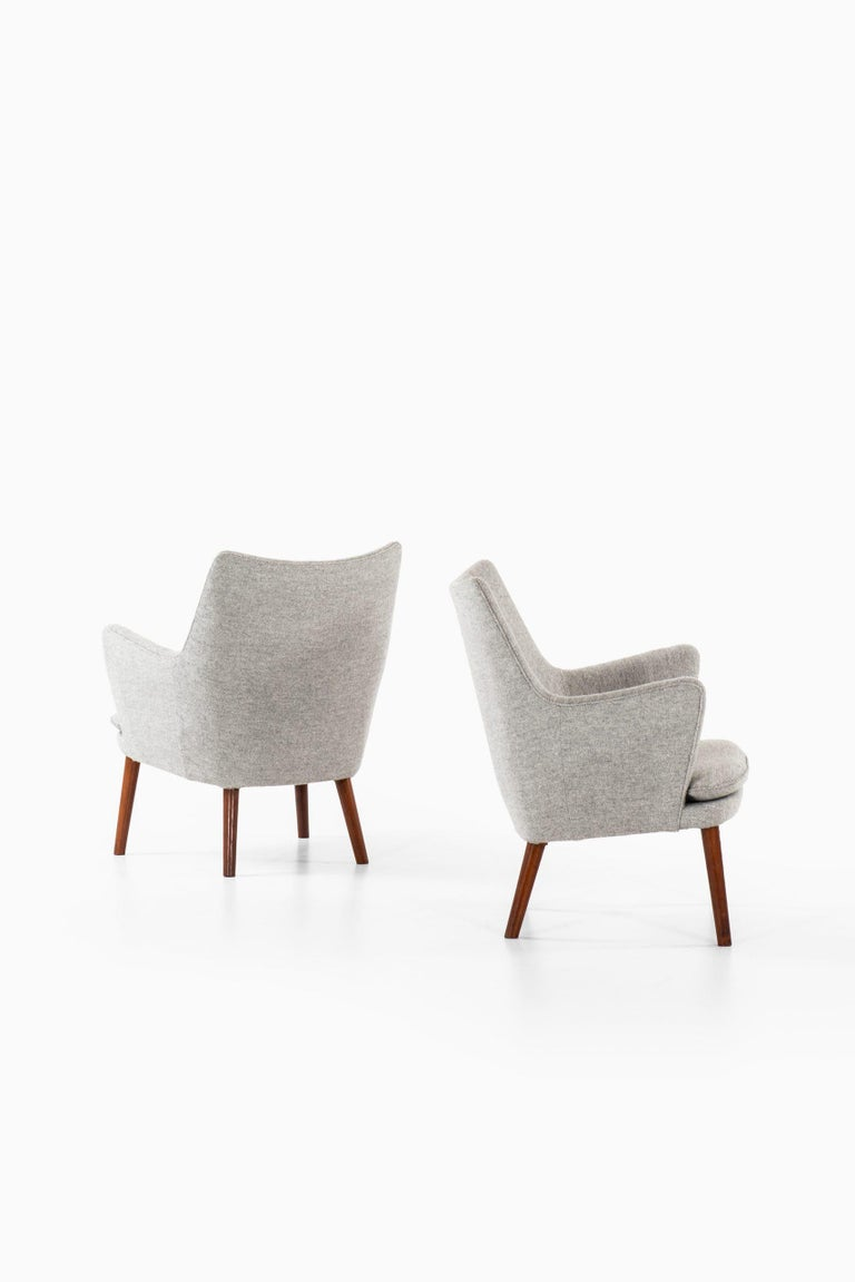 Hans Wegner Easy Chairs Model AP20 Produced by A.P. Stolen in Denmark In Good Condition For Sale In Malmo, SE