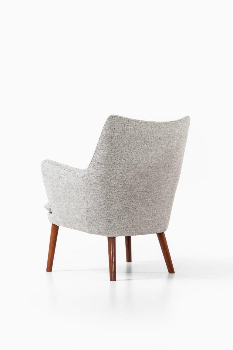 Mid-20th Century Hans Wegner Easy Chairs Model AP20 Produced by A.P. Stolen in Denmark For Sale