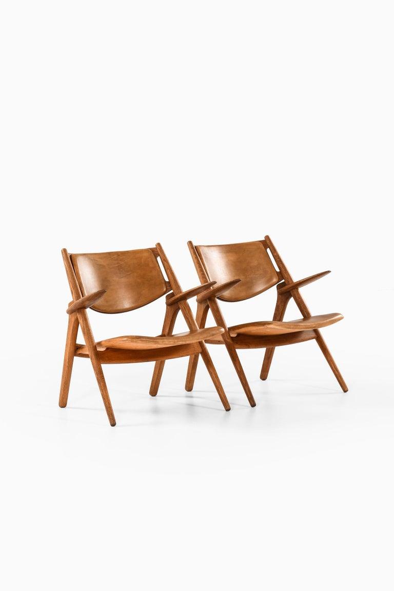 Hans Wegner Easy Chairs Model CH-28 Produced by Carl Hansen & Søn in Denmark For Sale 4