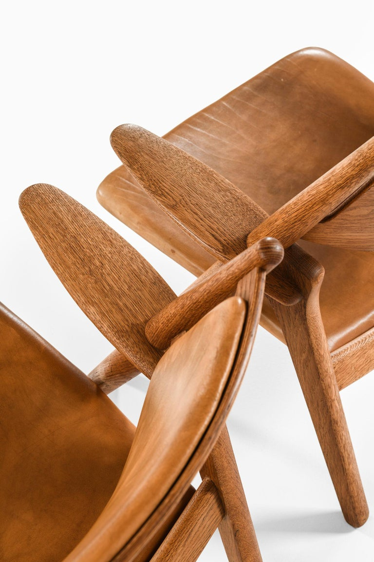 Hans Wegner Easy Chairs Model CH-28 Produced by Carl Hansen & Søn in Denmark For Sale 5