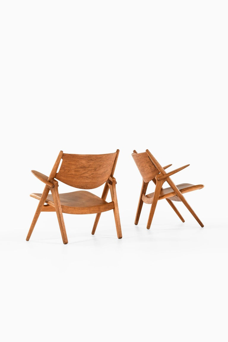 Scandinavian Modern Hans Wegner Easy Chairs Model CH-28 Produced by Carl Hansen & Søn in Denmark For Sale
