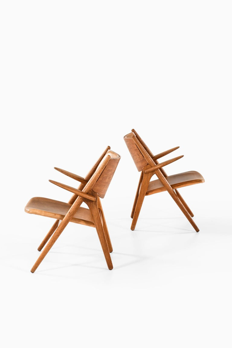 Mid-20th Century Hans Wegner Easy Chairs Model CH-28 Produced by Carl Hansen & Søn in Denmark For Sale