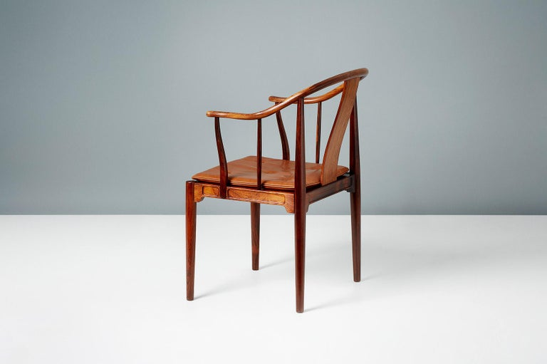 Scandinavian Modern Hans Wegner FH-4283 Rosewood China Chair For Sale