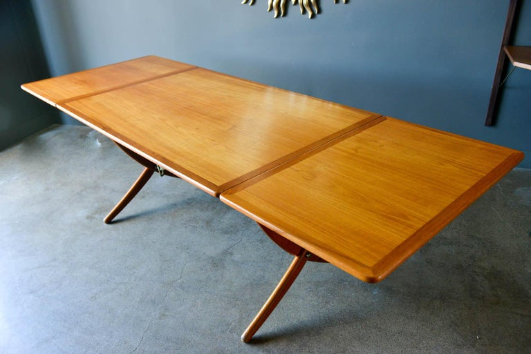 Hans Wegner for Andreas Tuck Model AT-304 Dining Table, circa 1955 In Good Condition For Sale In Costa Mesa, CA