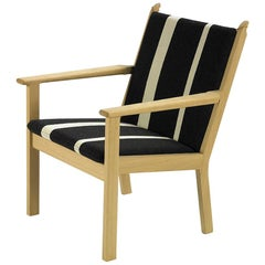 Hans Wegner GE-284 Lounge Chair, Lacquered Beech
