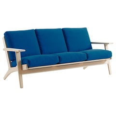 Hans Wegner GE-290/3 Sofa - Stained Beech
