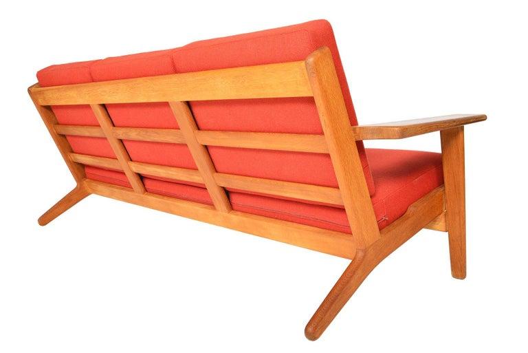 Hans Wegner GE-290-3 Three-Seat Sofa in Oak For Sale 3