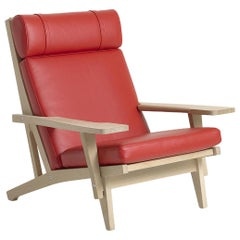 Hans Wegner GE-375 Lounge Chair with Arms