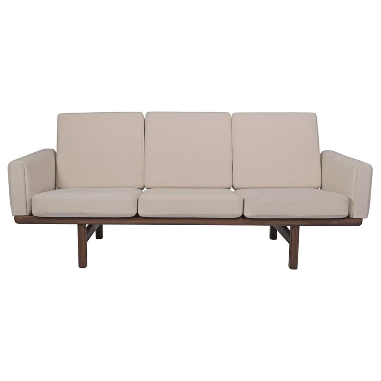 Hans Wegner GE236/3 Sofa for GETAMA in Solid Teak