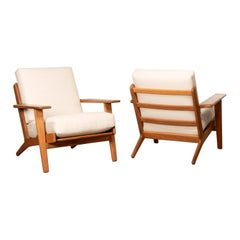 Hans Wegner GE290 Pair Easy Chairs in Light Beige Wool for GETAMA, Denmark