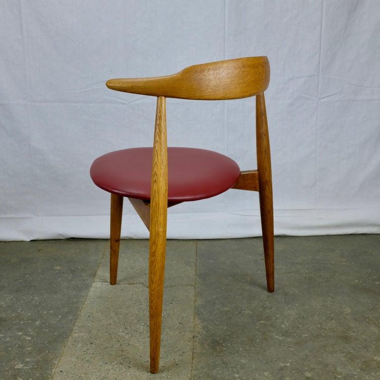 Scandinavian Modern Hans Wegner Heart Chair in Oak For Sale