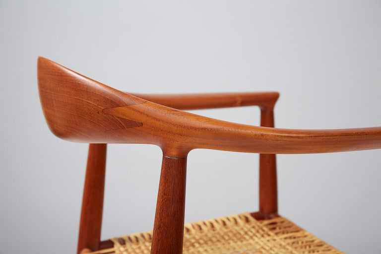 Hans Wegner JH-501 Chair, Teak In Excellent Condition For Sale In London, GB