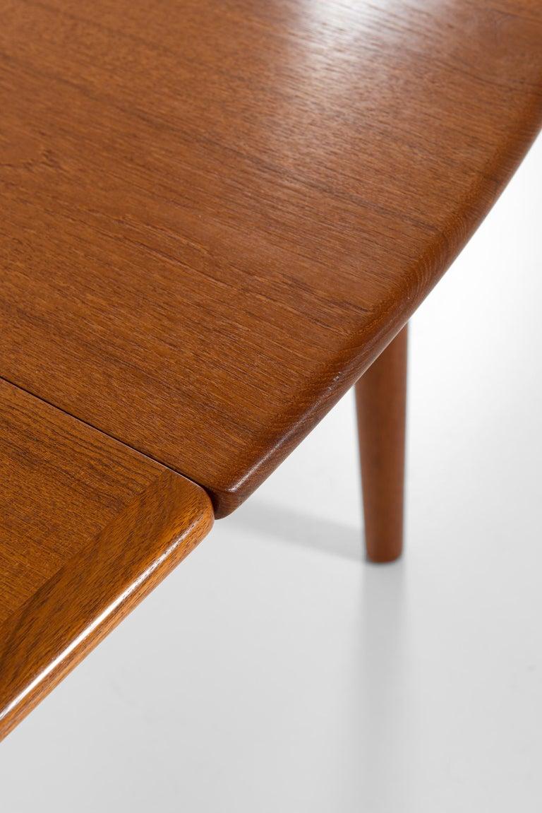 Hans Wegner Large Dining Table Model JH-567 by Johannes Hansen in Denmark For Sale 5